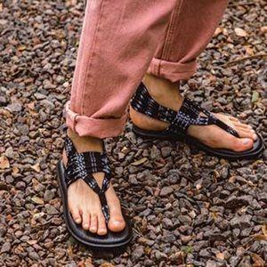 4/$25 Sanuk yoga sling 2 sandals